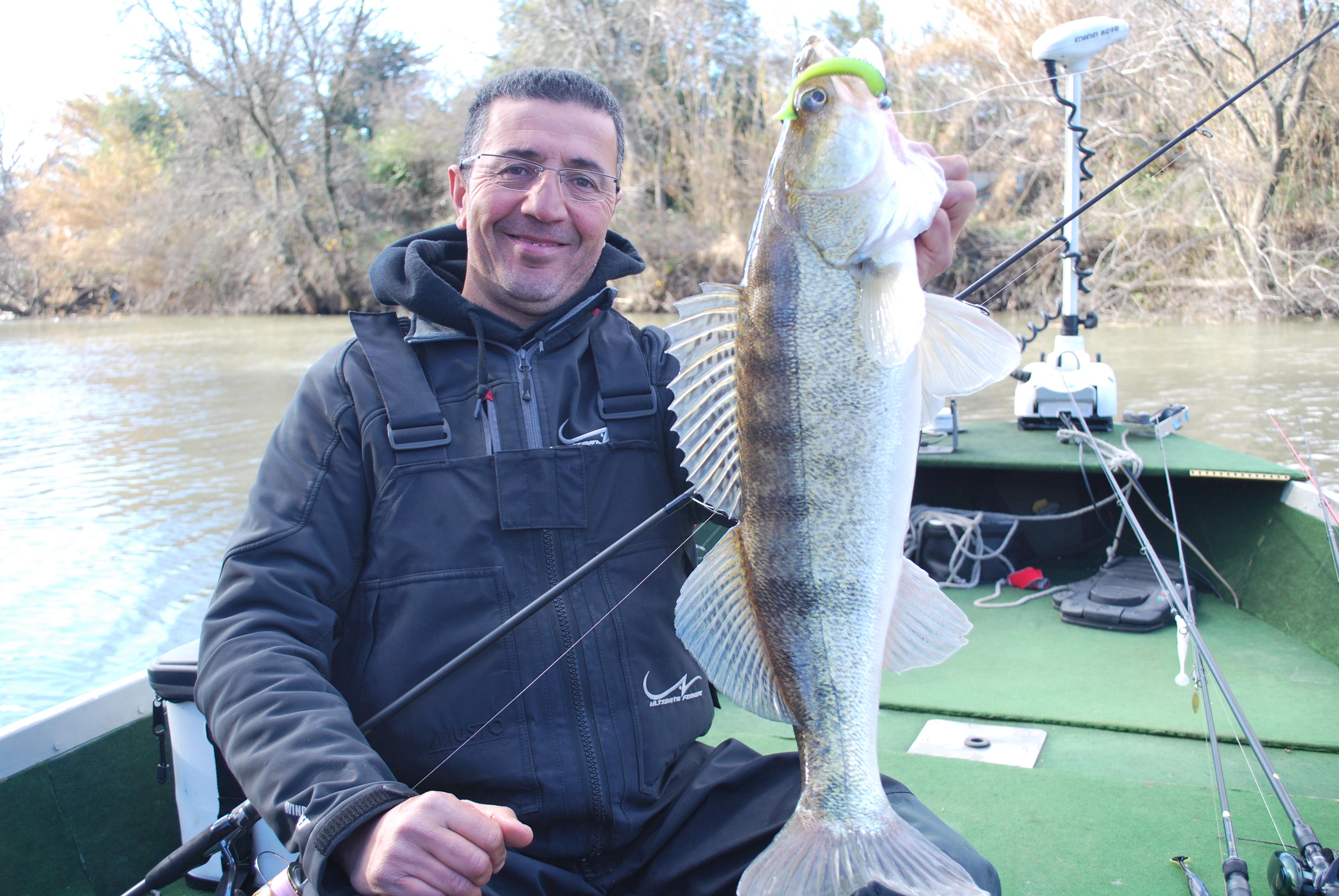 Le lac doie la pêche lhiver